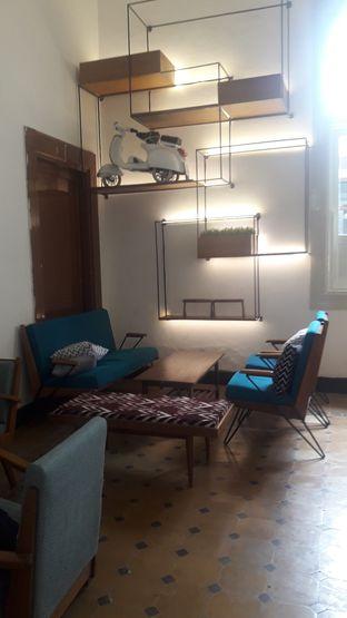 Foto 2 - Interior di Work Coffee oleh Nadia Indo