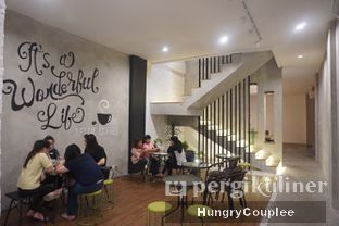Foto 2 - Interior di Kalijodo Coffee oleh Hungry Couplee