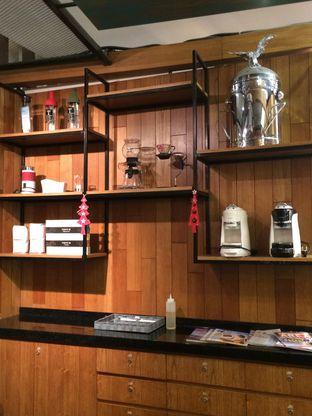 Foto 3 - Interior di Reneka Coffee oleh Elvira Sutanto