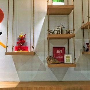 Foto 8 - Interior di Sollie Cafe & Cakery oleh Lydia Adisuwignjo