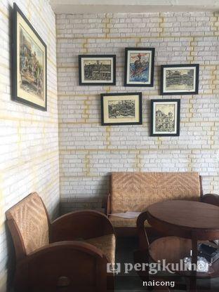 Foto 9 - Interior di Identic Coffee oleh Icong
