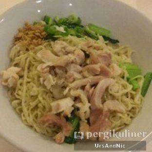 Foto 1 - Makanan(Mie ayam bakso) di Mie Jempol Batavia oleh UrsAndNic