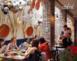 Foto 4 - Interior di Gioi Asian Bistro & Lounge oleh Stanzazone