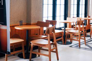 Foto 13 - Interior di Starbucks Reserve oleh Indra Mulia