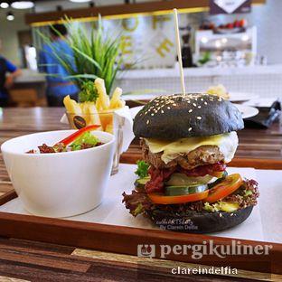 Foto 1 - Makanan di Mokka Coffee Cabana oleh claredelfia