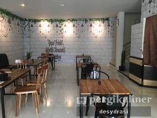 Foto 7 - Interior di The H Cafe oleh Desy Mustika