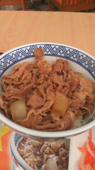 Foto 3 - Makanan(sanitize(image.caption)) di Yoshinoya oleh Renodaneswara @caesarinodswr