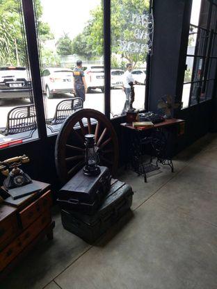 Foto 2 - Interior di B'Steak Grill & Pancake oleh Namira