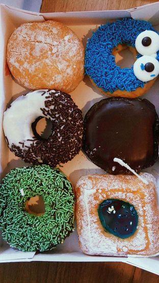 Foto 8 - Makanan di Dunkin' Donuts oleh duocicip