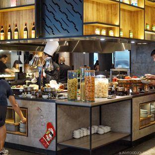 Foto 1 - Interior di Food Exchange - Hotel Novotel Mangga Dua oleh Jennyfer .