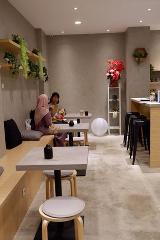 Foto 7 - Interior di Gili Coffee & Eatery oleh yudistira ishak abrar