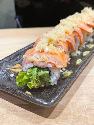 Foto 1 - Makanan(Crunchy Salmon Roll) di Kappa Sushi oleh Winda Verfida