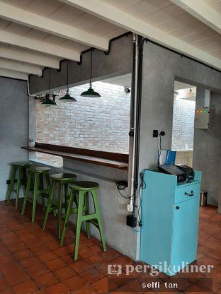 Foto 5 - Interior di Mikkro Espresso oleh Selfi Tan
