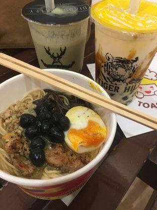 Foto 2 - Makanan di Universal Noodle Ichiro Chazuke Ramen Market oleh Prido ZH
