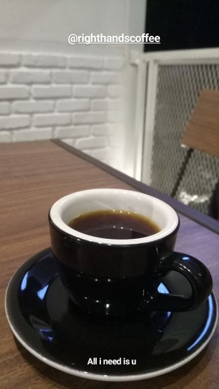 Foto - Makanan di Righthands Coffee oleh nesyaadenisaa