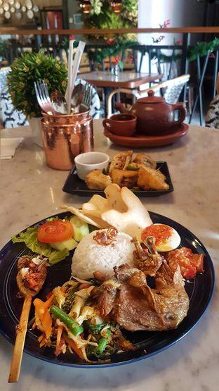 Foto 5 - Makanan(Nasi Bali) di KAJOEMANIS oleh Gembuli Tan