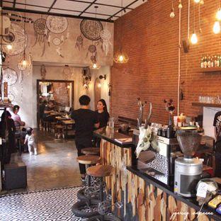 Foto 6 - Interior di BlackBarn Coffee oleh Melisa Stevani