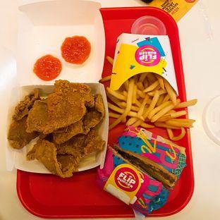 Foto 4 - Makanan di Flip Burger oleh El Yudith
