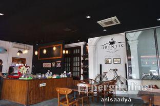 Foto 10 - Interior di Identic Coffee oleh Anisa Adya