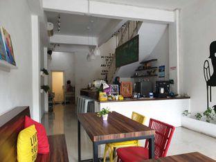 Foto 3 - Interior di 30 Seconds Coffee House oleh Amrinayu