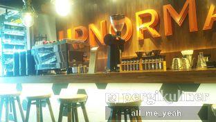 Foto 2 - Interior di Upnormal Coffee Roasters oleh Gregorius Bayu Aji Wibisono