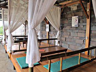 Foto 7 - Interior di D'secret Lesehan Emak oleh doyan kopi