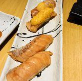 Foto Salmon belly aburi; salmon belly cheese di Sushi Hiro