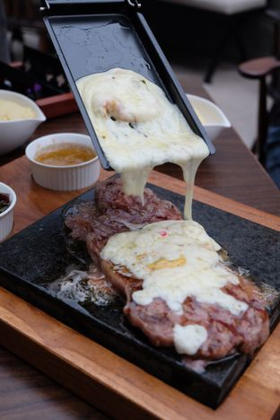 Foto review Willie Brothers Steak and Cheese oleh Astrid Huang | @biteandbrew 2