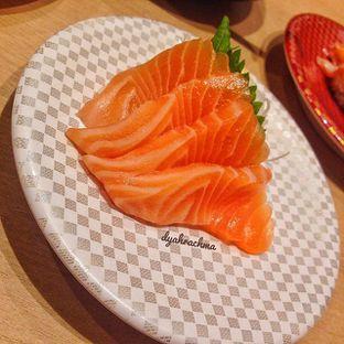 Foto 3 - Makanan(Salmon Sashimi) di Genki Sushi oleh Dyah Arumawar Rachma