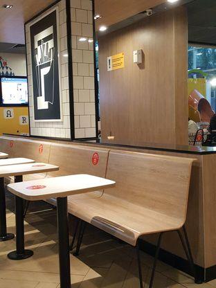 Foto 6 - Interior di McDonald's oleh Stallone Tjia (Instagram: @Stallonation)