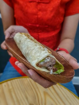 Foto 4 - Makanan(Shawarma) di Emado's Shawarma oleh Adhy Musaad