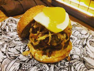 Foto 1 - Makanan di Lawless Burgerbar oleh Michael Wenadi