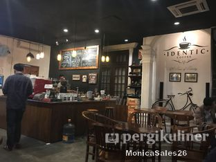 Foto 4 - Interior di Identic Coffee oleh Monica Sales