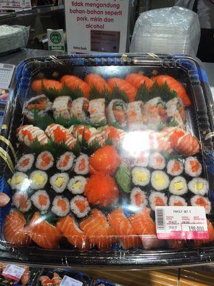 Foto 1 - Makanan di AEON Sushi Dash & Go oleh stphntiya
