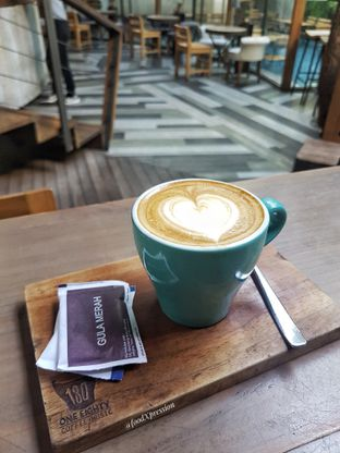 Foto review One Eighty Coffee and Music oleh Eatandcrunch  9