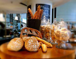 Foto 5 - Makanan(Berbagai jenis roti) di Buttercup Signature Boulangerie - Hotel Four Points by Sheraton oleh Tsuty
