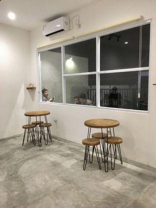 Foto 5 - Interior di Signal Coffee oleh Prido ZH