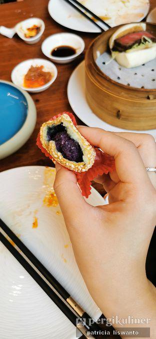 Foto 1 - Makanan(sweet potato ball) di Twelve Chinese Dining oleh Patsyy