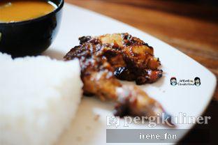 Foto 4 - Makanan(Paket Hemat (Ayam Bakar)) di Soto Bu Tjondro oleh Irene Fan