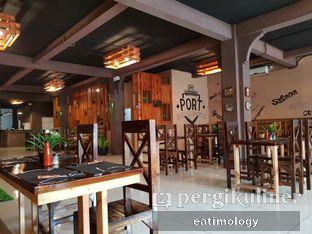 Foto 4 - Interior di Port Steak n Fish oleh EATIMOLOGY Rafika & Alfin