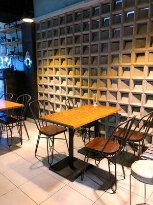 Foto 7 - Interior di Edisan Coffee oleh yudistira ishak abrar