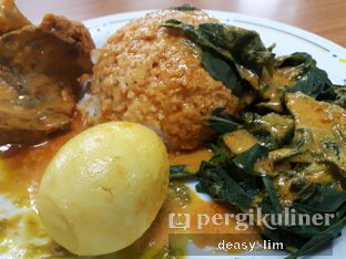 Foto 2 - Makanan di RM Sederhana Padang oleh Deasy Lim