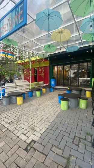 Foto 8 - Eksterior di Alooen Alooen Cafe and Coffee oleh Levina JV (IG : @levina_eat & @levinajv)