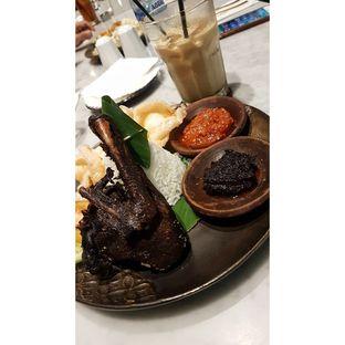 Foto 2 - Makanan(Nasi Bebek Item) di Amertha Warung Coffee oleh Gembuli Tan