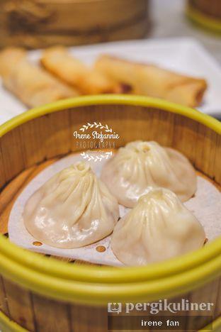 Foto 3 - Makanan(Tim Xiao Long Bao Isi Daging Babi) di Lamian Palace oleh Irene Stefannie @_irenefanderland