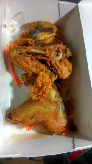 Foto 6 - Makanan(Ayam Goreng Kremes (IDR 112k) ) di Plataran Menteng oleh Renodaneswara @caesarinodswr