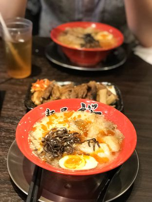 Foto 1 - Makanan di Menya Sakura oleh Vicky Angdi