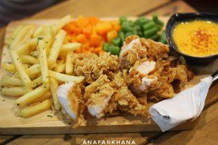Foto 1 - Makanan di Kandang Ayam oleh Ana Farkhana