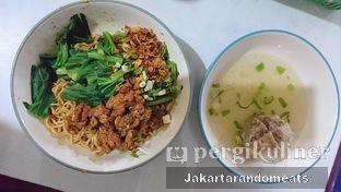 Foto 2 - Makanan di Bakso Titoti oleh Jakartarandomeats