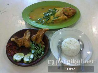 Foto 1 - Makanan di Gule Kepala Ikan Mas Agus oleh Tirta Lie
